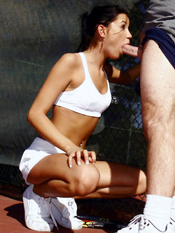 Tanner Mayes sucks her experienced tennis coach on the court