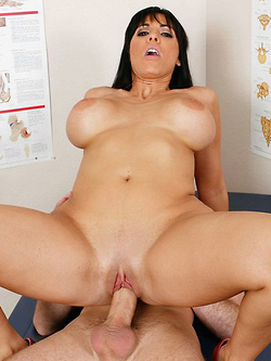 Veronica Rayne treats her patient to her big breasts and pussy
