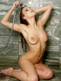 Andie Valentino masturbating in the shower