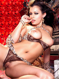 Aria Giovanni strips while listening to her favorite tunes