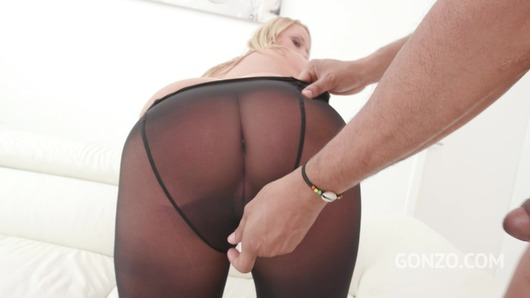 Bambi Bella in Bambi Bella assfucked 4on1 and pissed all over SZ2075