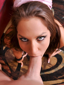 Kiera King gladly lets you jerk off all over her pretty face