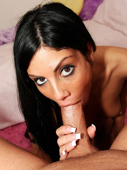Eva Ellington gives an enthusiastic blowjob