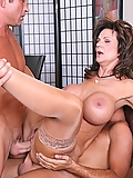 Deauxma gets doublefucked as part of her divorce settlement