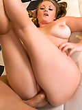 Alysa Moore gets her sweet pussy massaged by his fat cock