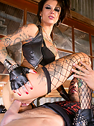 Bonnie Rotten gets banged by her favorite tattoo artist