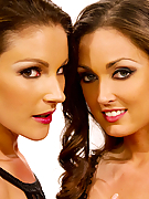 Samantha Ryan and Melissa Jacobs get lost in lesbian lust