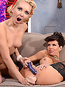 Veronica Avluv and Aaliyah Love assfuck each other with strap-on dildos