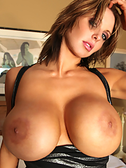 Today we lighten the burden of Monday with the always awesome 30G Brandy Robbins, who is back with her awesome big tits and sexy, slender and incredibly toned bod!