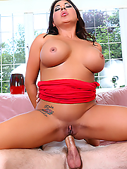 Candi Coxx makes his huge cock disappear in her pussy and ass