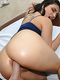 Rikki Nyx tries anal sex for the very first time