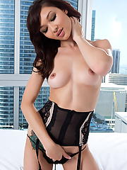 Anna Lee seduces in sexy lingerie and leather boots