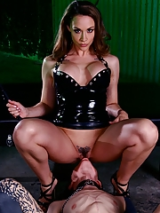 Mistress Chanel Preston orders her grovelling slave to lick her pussy to orgasm