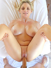 Katy Jayne gets oiled up and drilled by her massage therapist