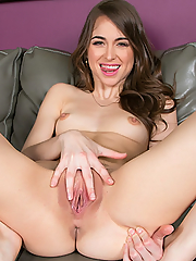 Riley Reid has a tight petite body and loves to show it to you
