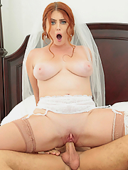 Lennox Luxe fucks the best man just before her wedding
