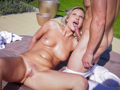 Sensual blonde Samantha Jolie is enjoying a relaxing massage in the garden, but George Uhl wants to give her more than that. They end up fucking passionately in the sun, finished off with his cum all over her beautiful shaved pussy. (Video duration: 22 minutes)