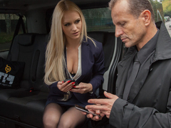 Hot blondie Rossella Visconti keeps driver George Uhl company when his car fails. And what better way to pass the time than to fuck each other passionately until the new car arrives. (Video duration: 27 minutes)