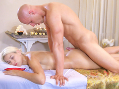 Gorgeous blondie Yenna enjoys an erotic massage by Leny Evil, who slowly turns her on with his skillful moves. They're in for a hot, lusty fuck on the massage table. (Video duration: 26 minutes)