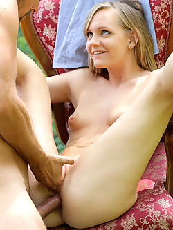 Lucette Nice gets assfucked by her boyfriend in the garden