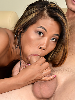 Chanel Lee brings home a guy from the bar for instant sex