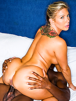 Samantha Saint fucks her hot date after dinner