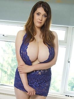 Bustylicious newbie Bella Brewer exposes her yummy titties for you