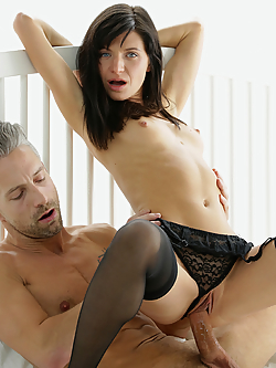 Lina Arian sensually fucks her lover in the morning