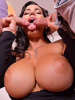 Chloe Lamour gets double penetrated by two friends