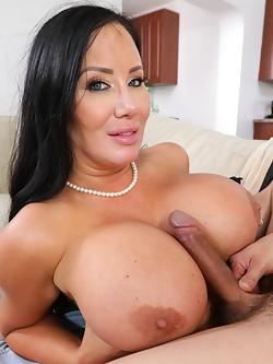 Nude sybil pics stallone Sybil Stallone