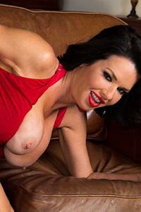 Veronica Avluv Treats Her Neighbor To The Ride Of His Life-pic6596